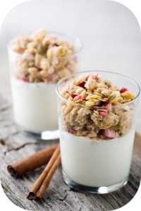 natural_yogurt_with_muesli_in_small_glass